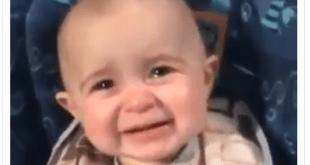 Αυτό το μωρό δεν έχασε την μητέρα του και δεν είναι η θεία του αυτή που τραγουδάει