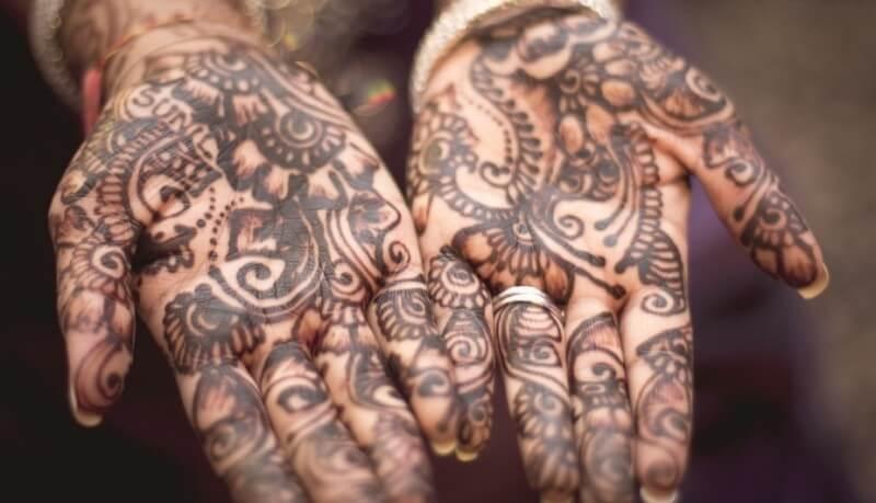 gambar henna telapak tangan bagus