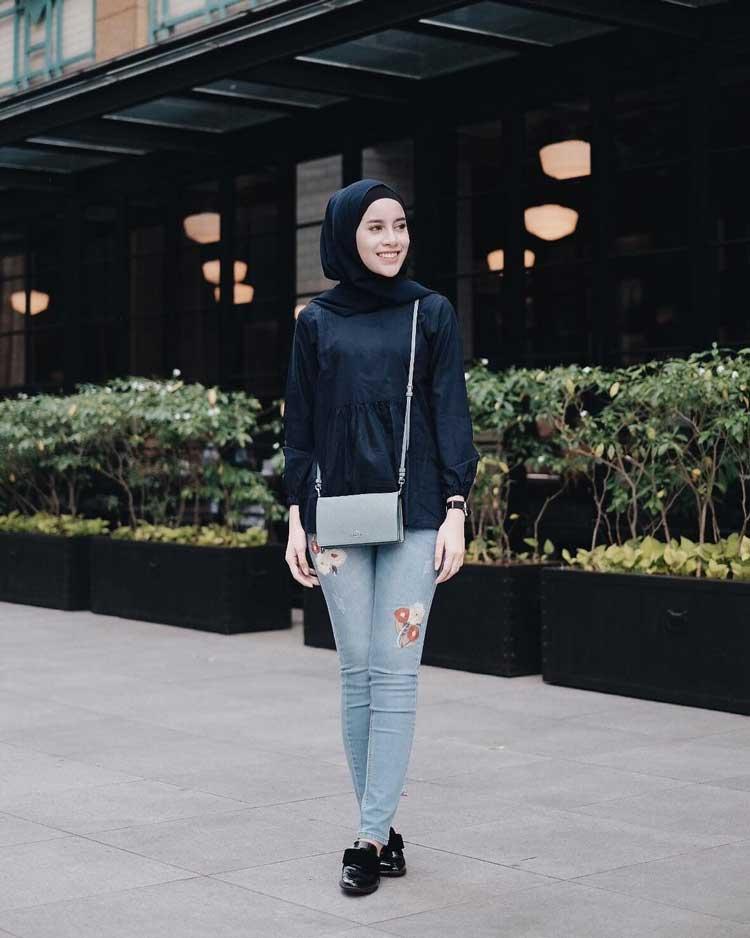 105 Model Baju Kondangan Casual Jeans Paling Unik