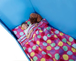 child sleeping in Cosyfit