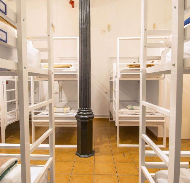 Gothic 12 Bed