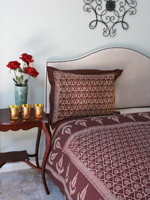 No More Dull Dorm Decor Explore Dreams Of India Saffron
