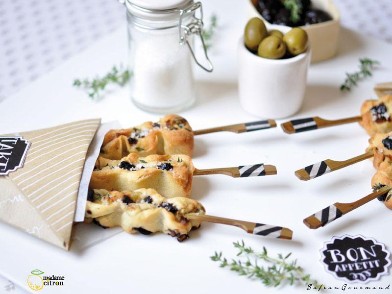 Mini-Focaccia : Olives, Cébettes & Thym