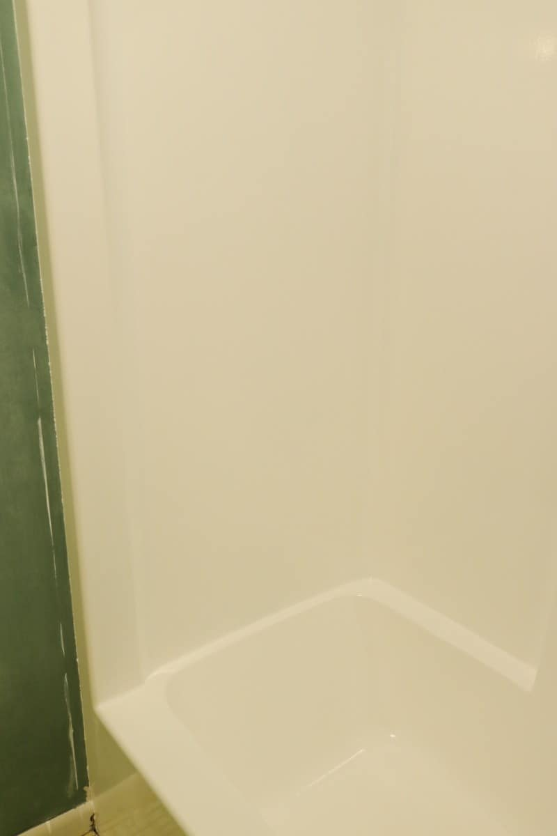 White tub & shower unit - after DIY bathtub refinishing project