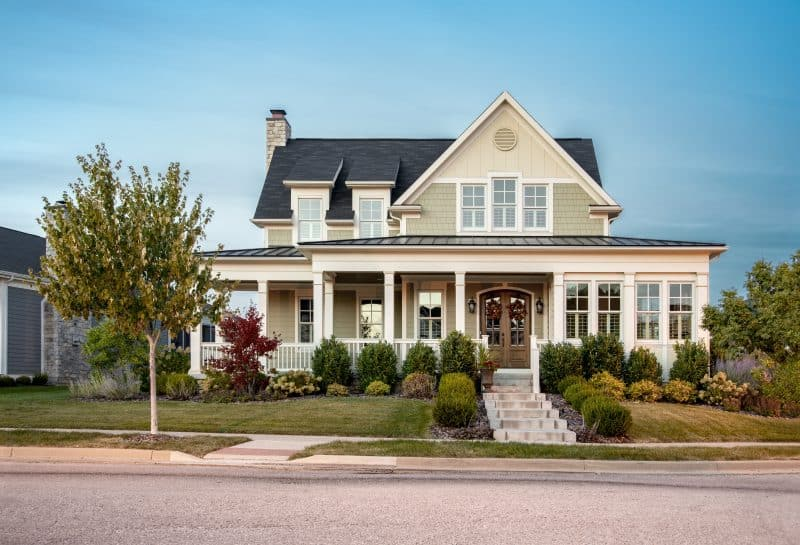 Photo of traditional style new home with lots of curb appeal.