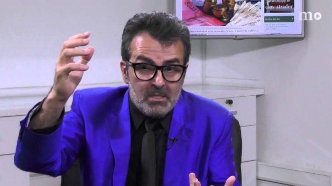 Xavier Sala i Martín és un economista català.  Professor a la Universitat de Colúmbia conegut també pels seus articles