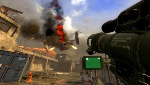 Black Mesa gameplay shooting down an osprey.