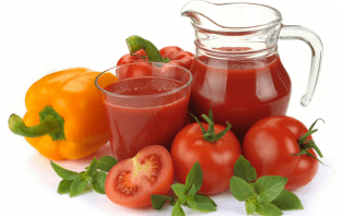 This Is The Scientific Reason Why Passengers Drink Tomatoes Juice On The Planes