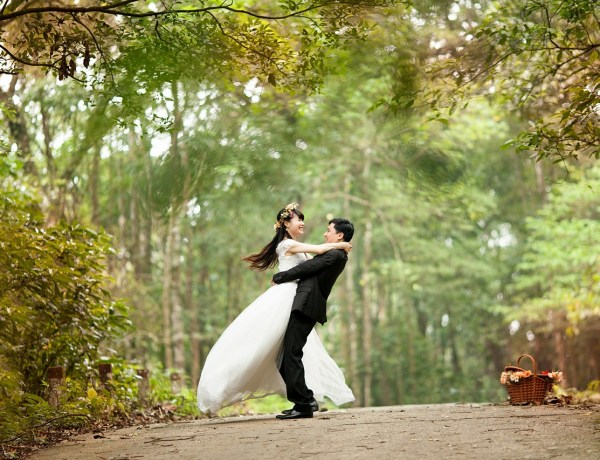 DESTINATION WEDDING: What Exactly Is It Like!