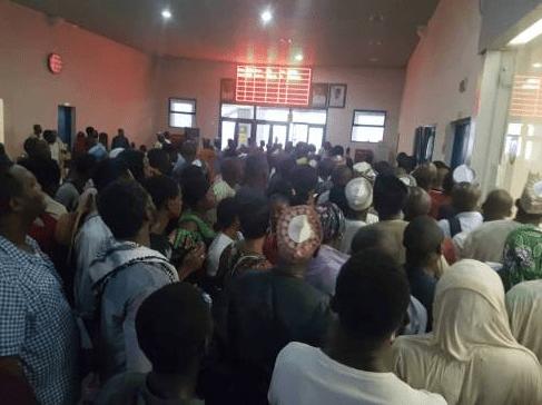 How passengers Struggle to Buy Abuja – Kaduna Train Ticket