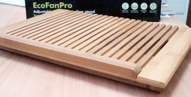 ecofanpro stand per MacBook Pro in Bamboo
