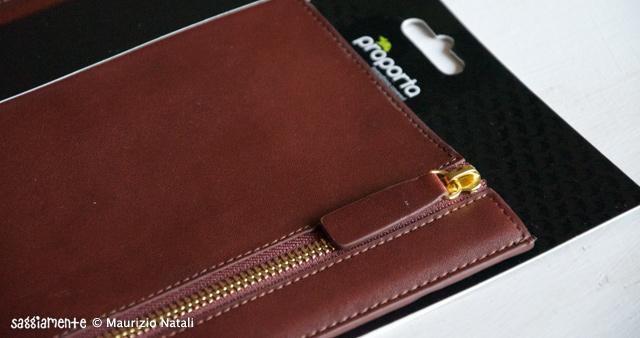 Proporta-Leather-Sleeve-iPad2-008
