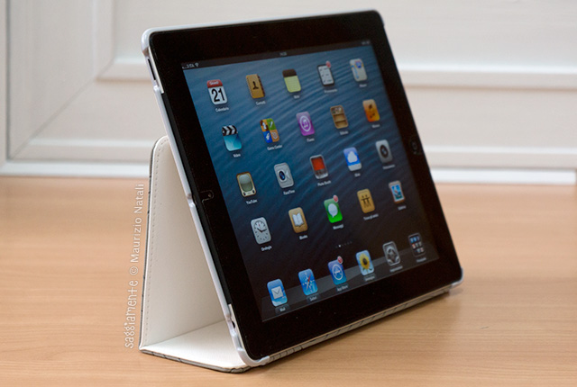 puro-booklet-ipad-stand-fronte