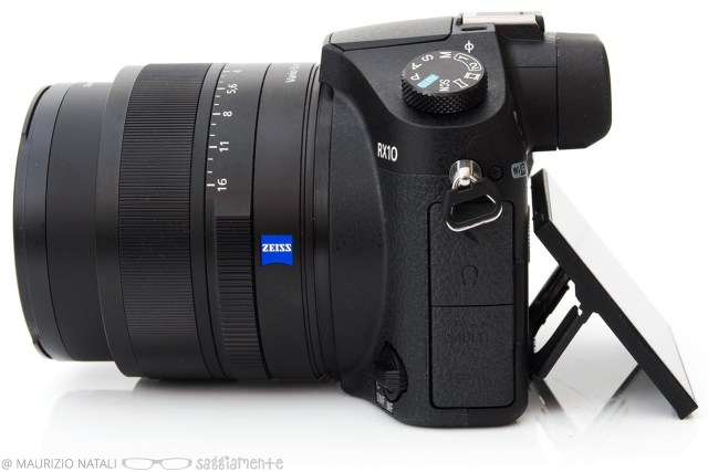 sony-rx10-display-2