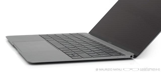 macbook-tastiera-lato