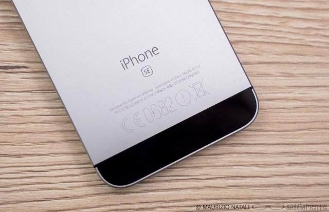 iphone-se-logo
