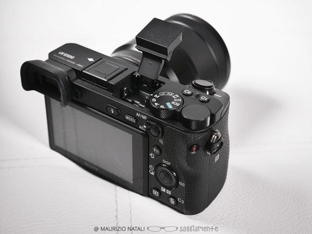 sony-a6500-flash-integrato