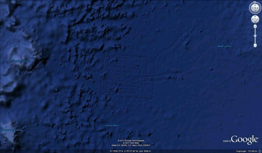 google earth piramide