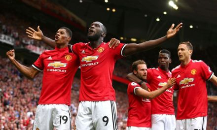Prem Round Up: United Stay Top, Liverpool Edge Palace