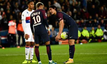 Dani Alves Explains His Role In Neymar And Cavani Set Piece Confusion