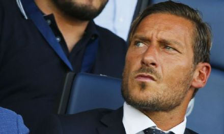 Roma director Francesco Totti quits coaching course after two weeks