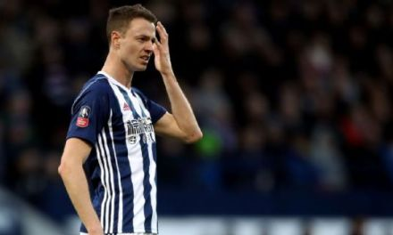 Alan Pardew hoped to make 'statement' by stripping Jonny Evans' armband