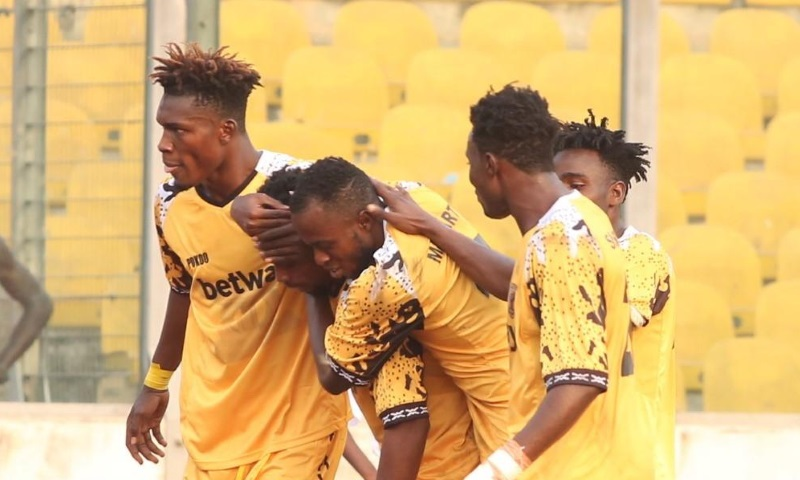A hattrick from Shafui in the first half was enough to see Ashgold through