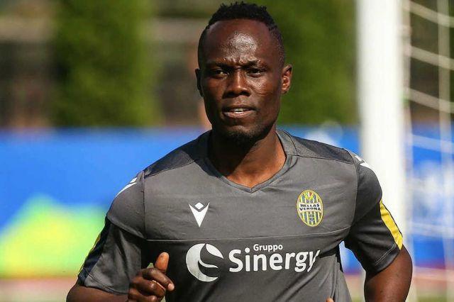 Ghana midfielder Emmanuel Agyemang-Badu rushed to the hospital