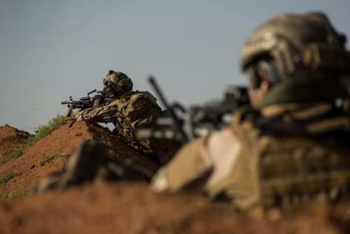 صورة لجنود فرنسيين أثناء عملية الهجوم على كتيبة ماسينا (الجيش الفرنسي)
