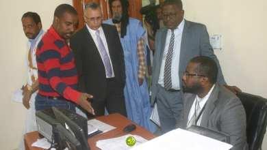 Photo of ولد بوحبيني يواصلٌ جولته في المصالح الإدارية في نواكشوط