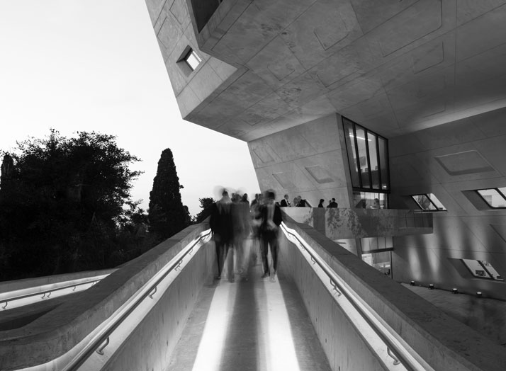 20-zaha-hadid-Issam-Fares-Institute-for-Public-Policy-and-International-Affairs-at-the-American-University-of-Beirut