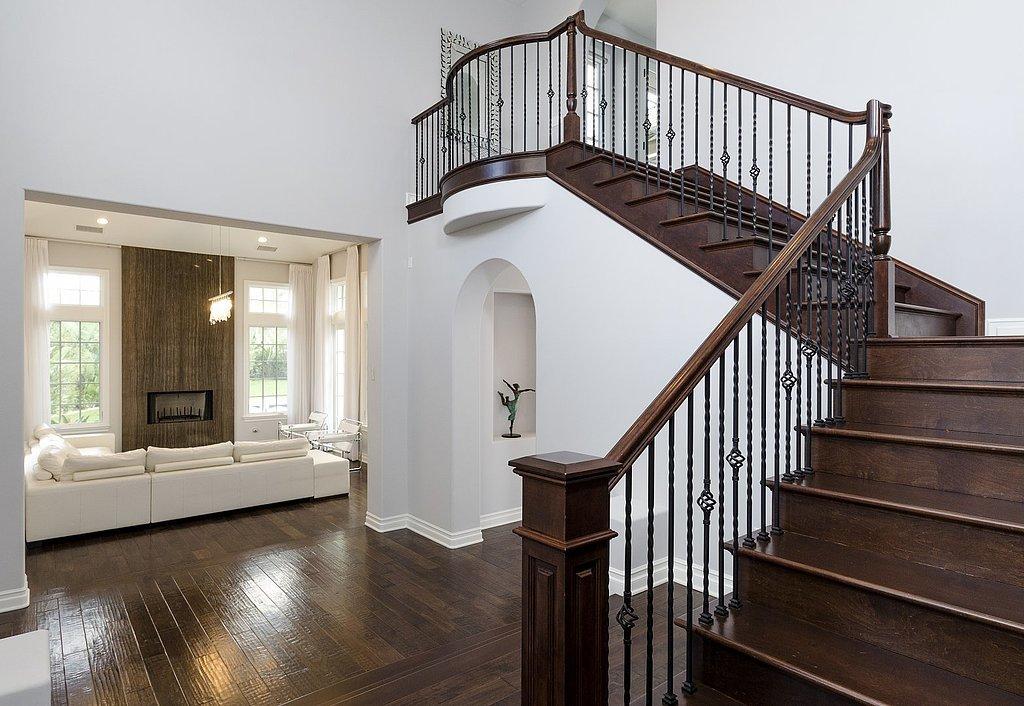 How-great-those-dark-wooden-floors