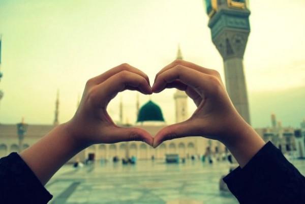 hand-vorm-hart-profeet-moskee-groene-koepel-madinah
