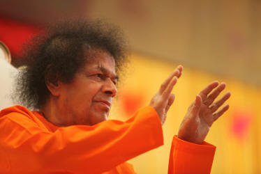 sboi-sri-sathya-sai-baba-blessing-photo-image-both-hands-abhya-hastha