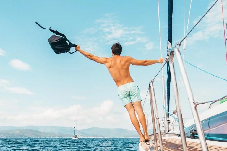 Come vestirsi in barca a vela? Ecco 3 consigli.