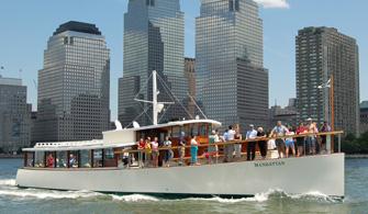 NYC Sightseeing Cruise On Yacht Manhattan Classic Harbor Line