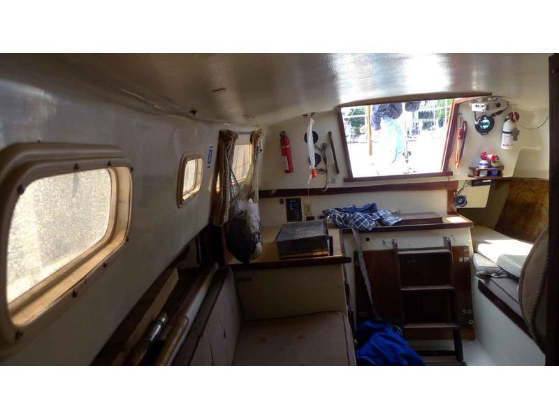 Catalina 27 Sailboat Interior