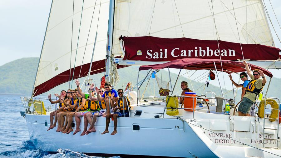 sailing_group_wave