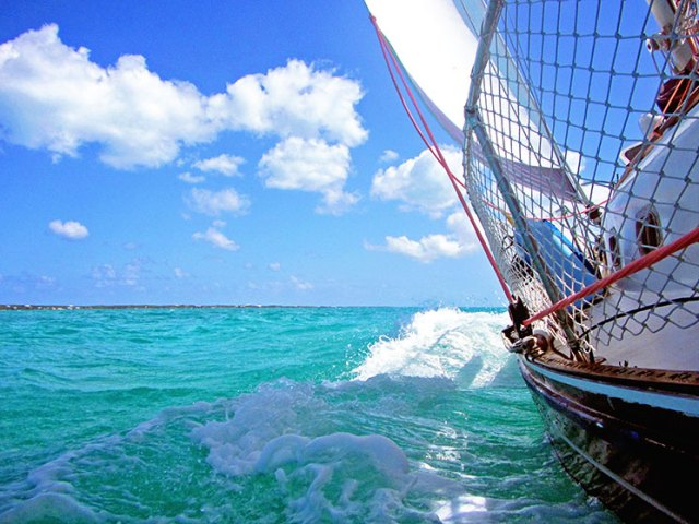 sailboat_healing_bahamas