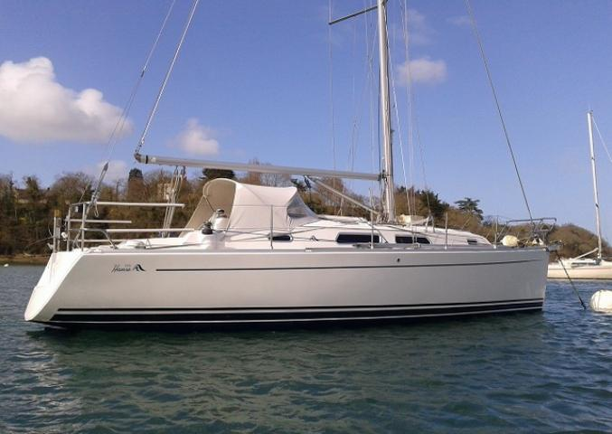 Bareboat Charter Yacht Hanse 315 With 2 Cabins