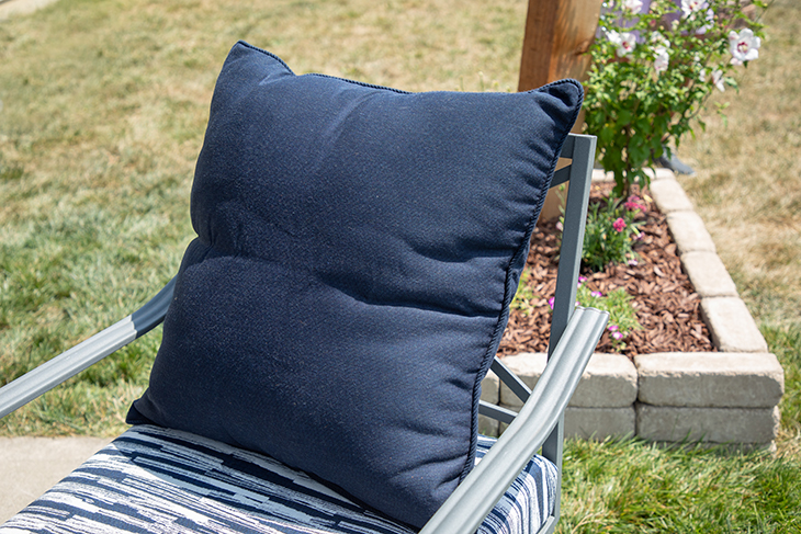 how to make an outdoor patio pillow