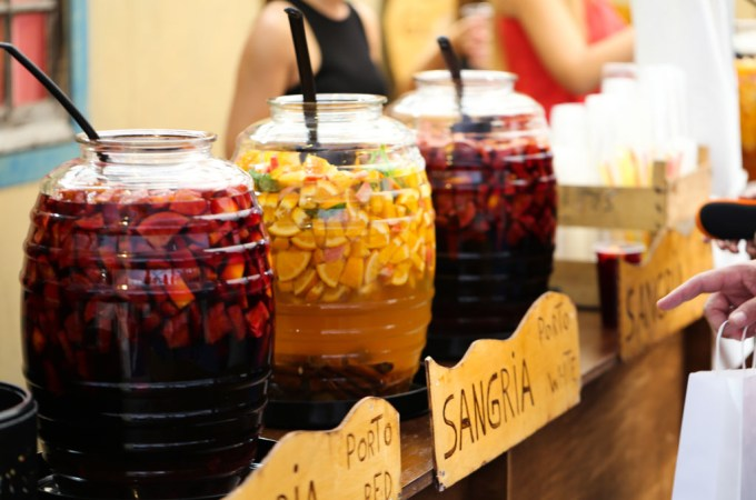 White Port Wine Sangria | www.sailsandspices.com