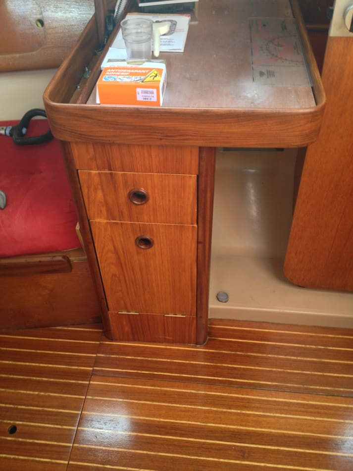 reprise vernis r alisations sailwood chantier naval. Black Bedroom Furniture Sets. Home Design Ideas