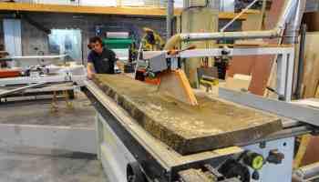 Chantier table bois massif