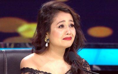 गायिका नेहा बनिन् जबर्जस्ती चुम्बनको सिकार (भिडियोसहित)