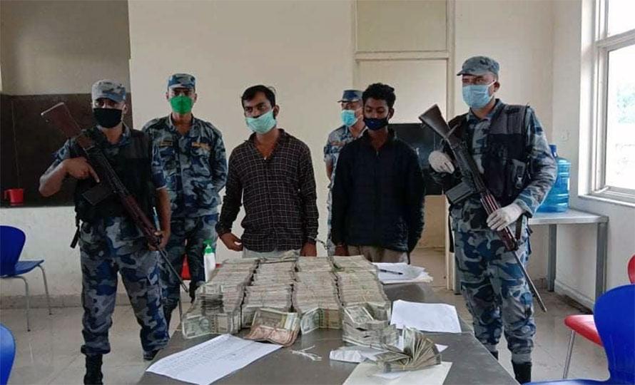 १ करोड ९ लाख भारतीय रुपैयाँ बरामद