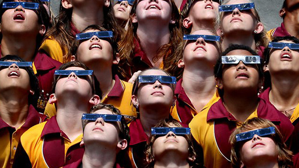 children viewing the eclipse