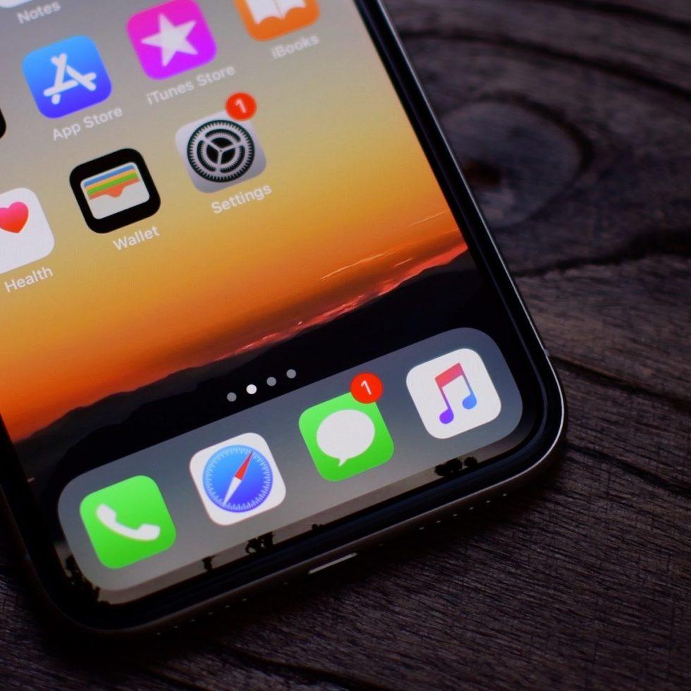 iPhone-X-Dock
