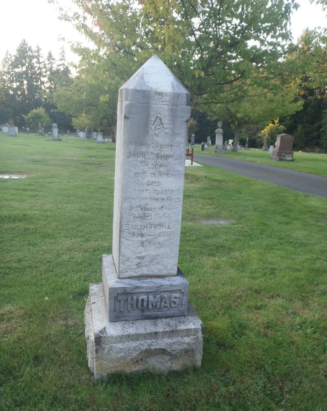 John J. Thomas, grave, Ladysmith Cemetery (photo: St. John's Lodge No. 21 Historian)