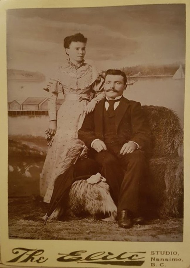 Andrew John McMurtrie and Edna Wall, in Wellington, circa 1890 (photo courtesy of Greg Bertrand - used with permission)